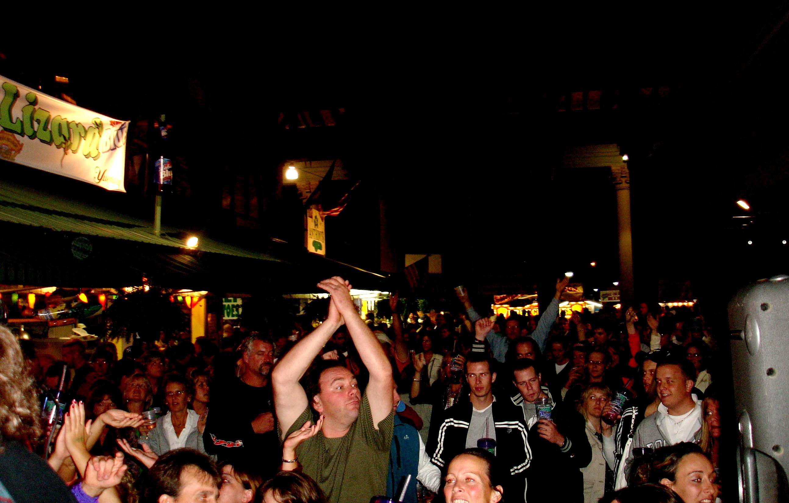 http://www.davehawthorn.com/Fair2006/site/Fair40.jpg