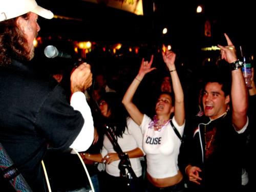 http://www.davehawthorn.com/Fair2006/site/fan36.jpg